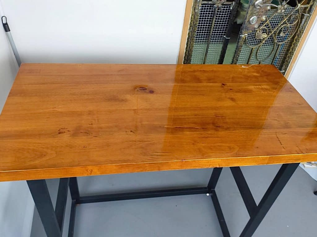 Re-varnish Table Top At Woodlands St41
