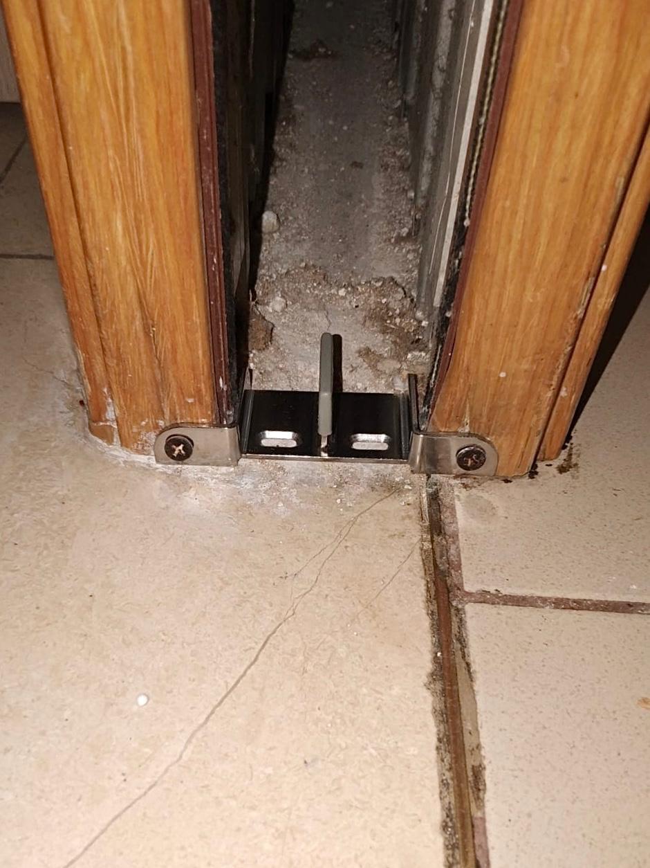 Replace pocket door floor guide (3)
