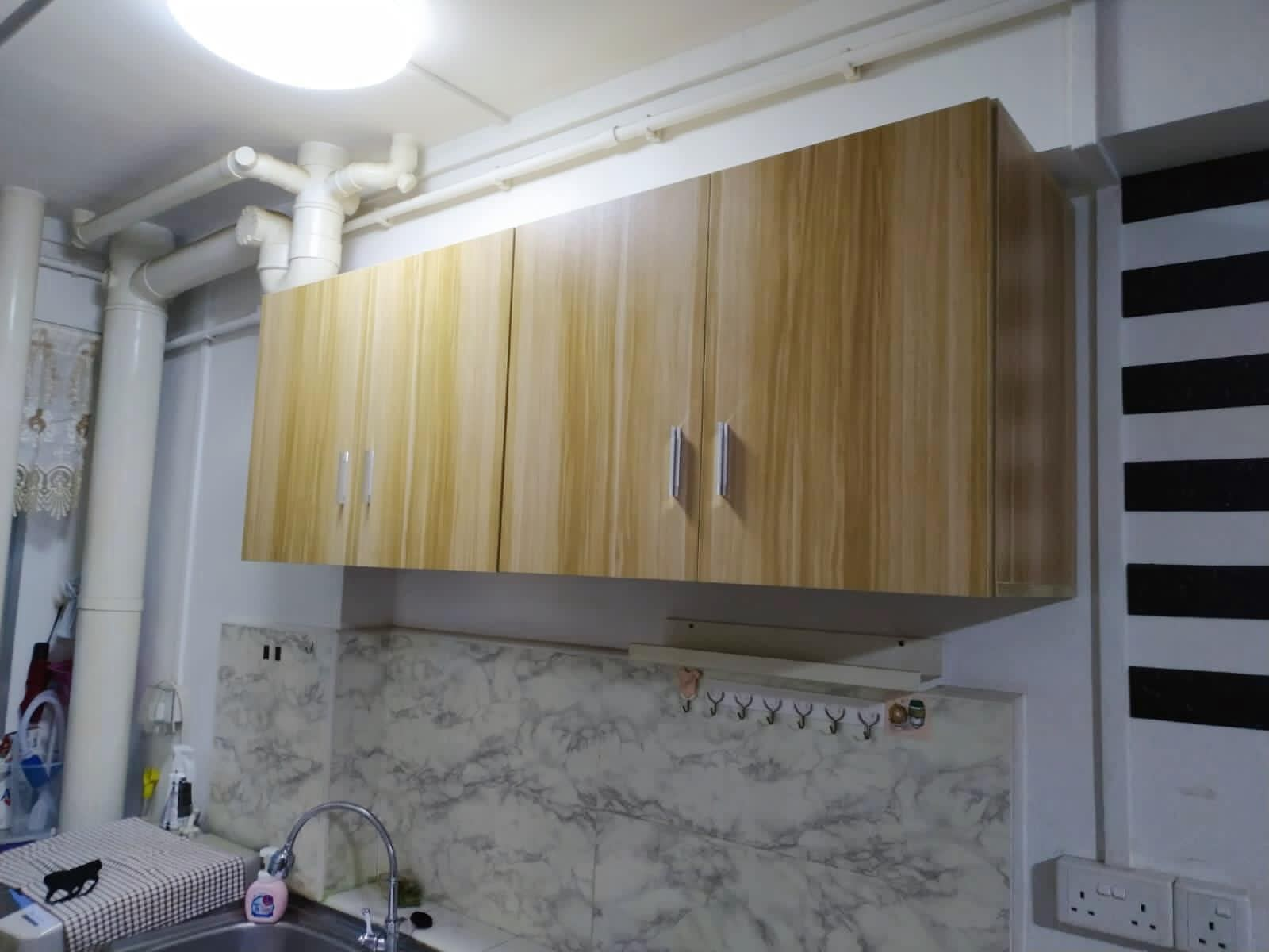 mount kitchen cabinet